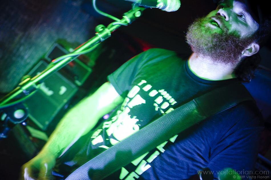 PETER PAN SPEED ROCK (nl), BANANE METALIK (fr) – 10.12.2009 – KLUB 007 STRAHOV
